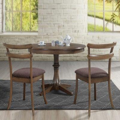 Стол и стулья в Калининграде